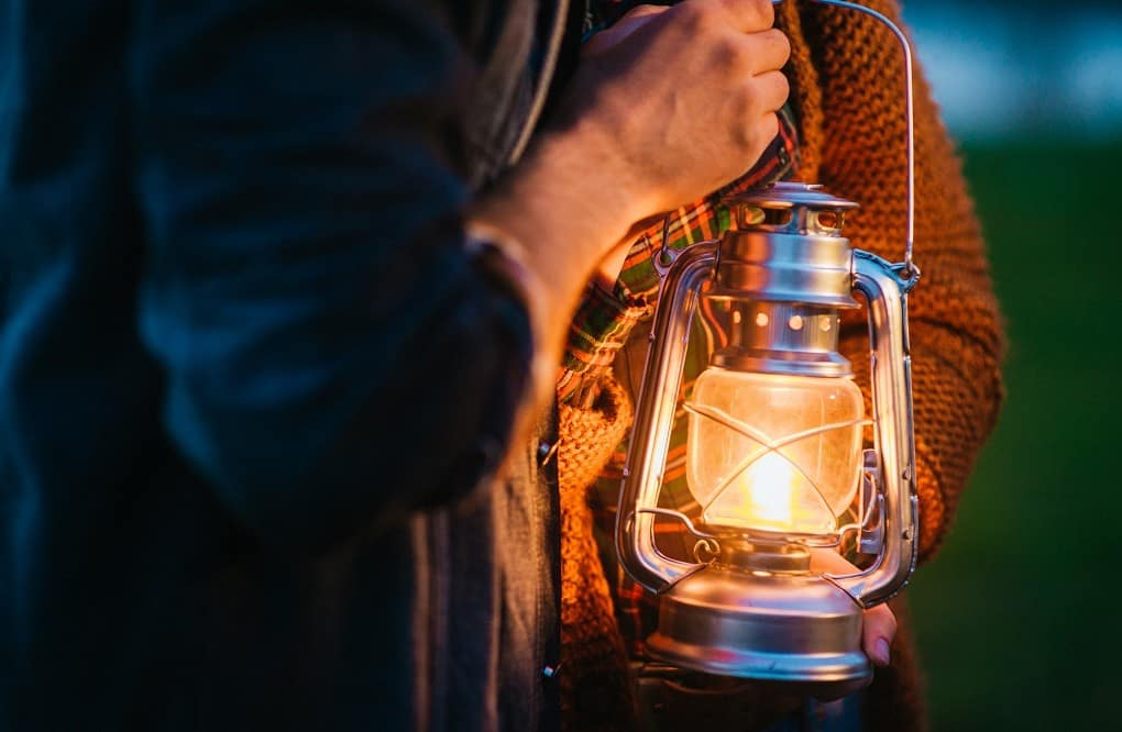 How to Light a Lantern? A Must-Know for Campers